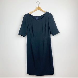 Gap classic black 1/2 sleeve shift dress Sz 6 EUC